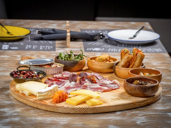 social wine and tapas review